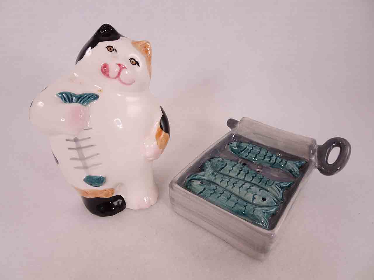 Clay Art cat with open can of sardines by Clay Art salt and pepper shakers